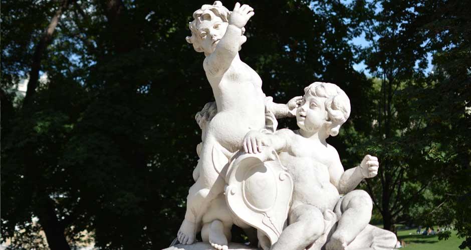 vienna-burggarten-statues_940x500