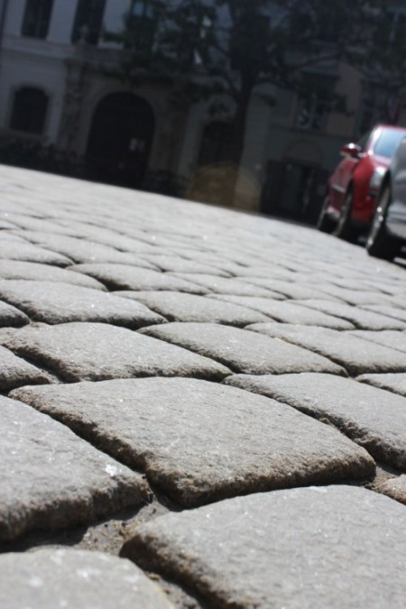 cobblestone-street-vienna-oldtown-940x1410