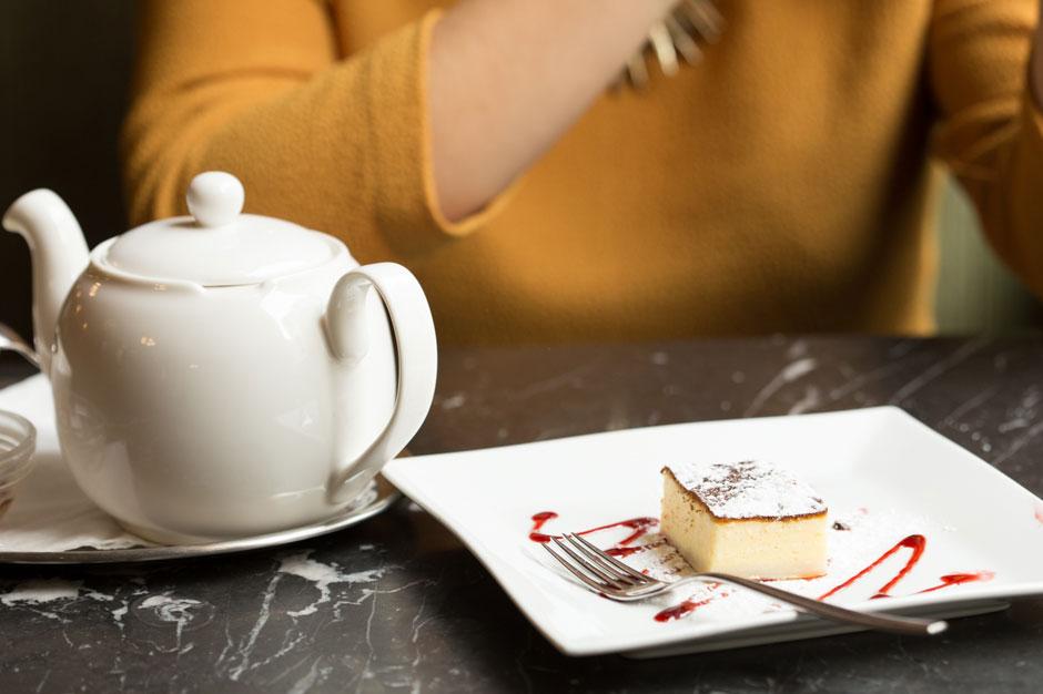 vienna-kaffeehaus-topfenstrudel_940x626