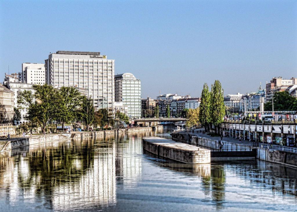 Donaukanal_FLICKR_5696230774_7ef019bbdf_b_korr