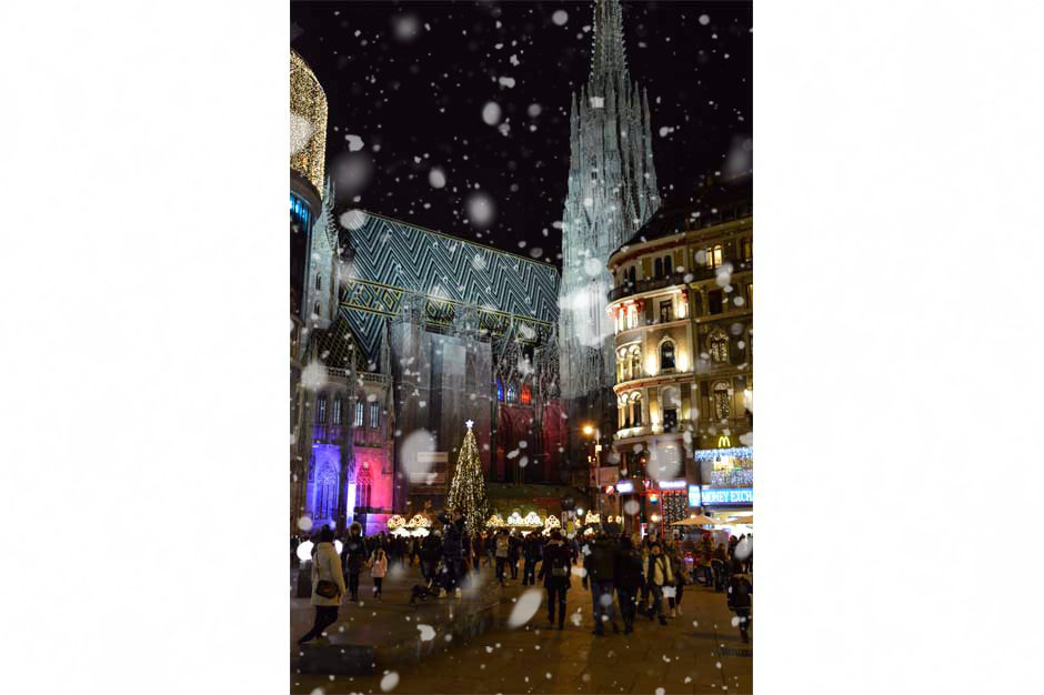 christmas-lights-vienna-st-stephens-cathedral_940x626