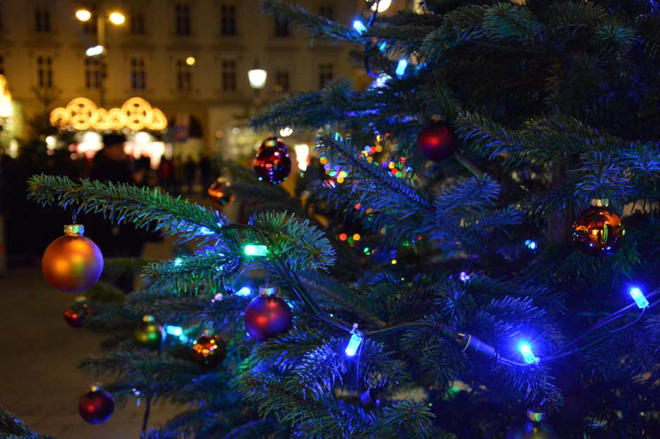 christmas-lights-vienna-stephansdom_940x460