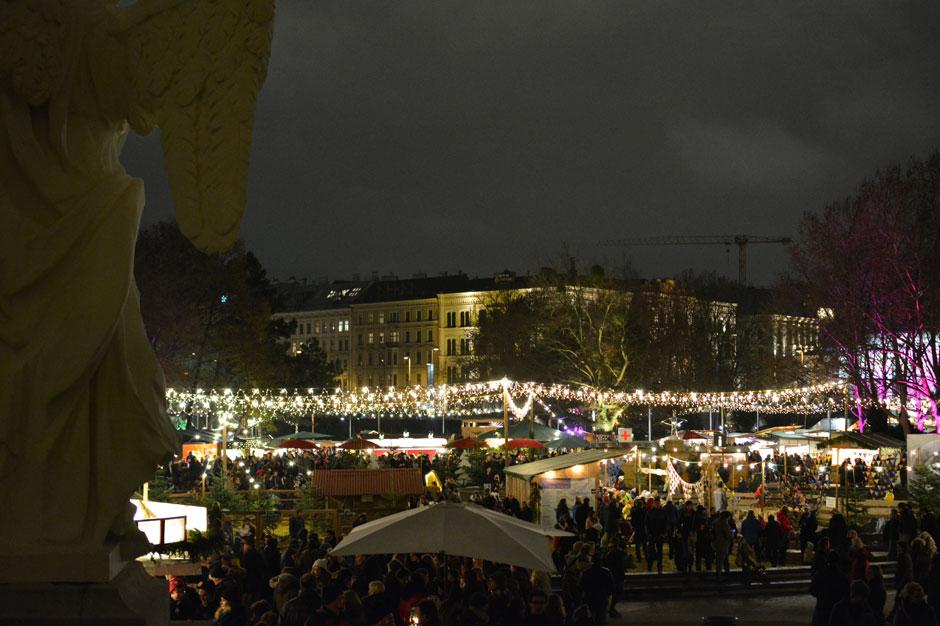 karlsplatz-christmas-market-vienna_940x626