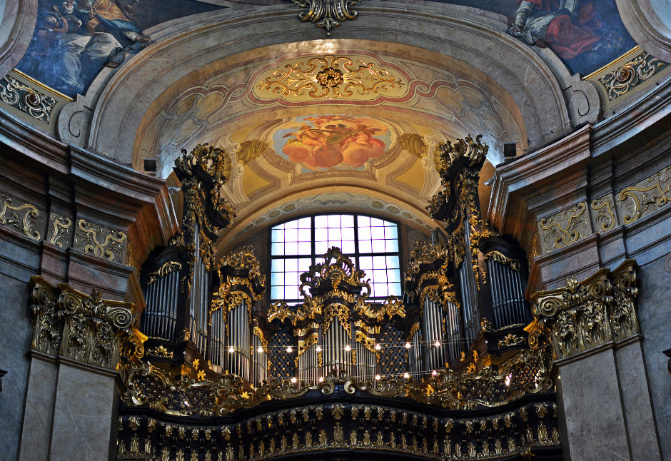 st-peters-church-vienna-organ_940x626