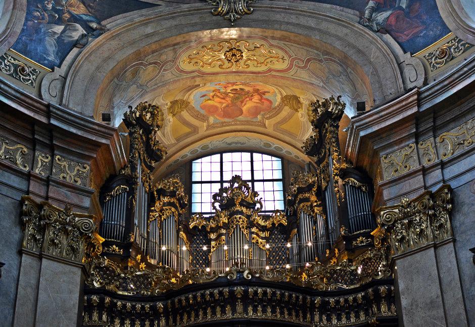 st-peters-church-vienna-organ_940x626